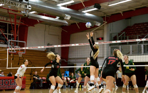 Volleyball sweeps Notre Dame de Namur