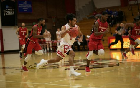 Men's basketball wins seventh game in a row