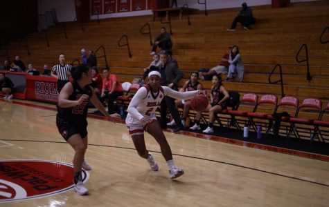 Women's basketball struggles against APU