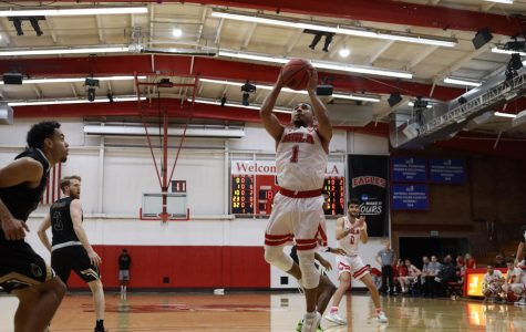 Men's basketball cruises to home victory over Dominican
