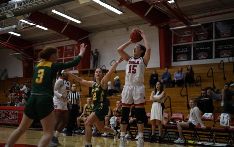 Women's basketball closes out Point Loma Nazarene University