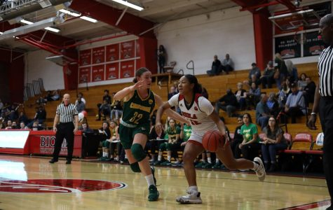 Women's basketball falls short to Concordia