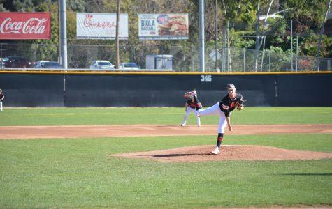 Baseball extends four-game winning streak