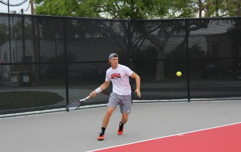 Men's tennis wins against   the University of Saint Katherine, 4-0.