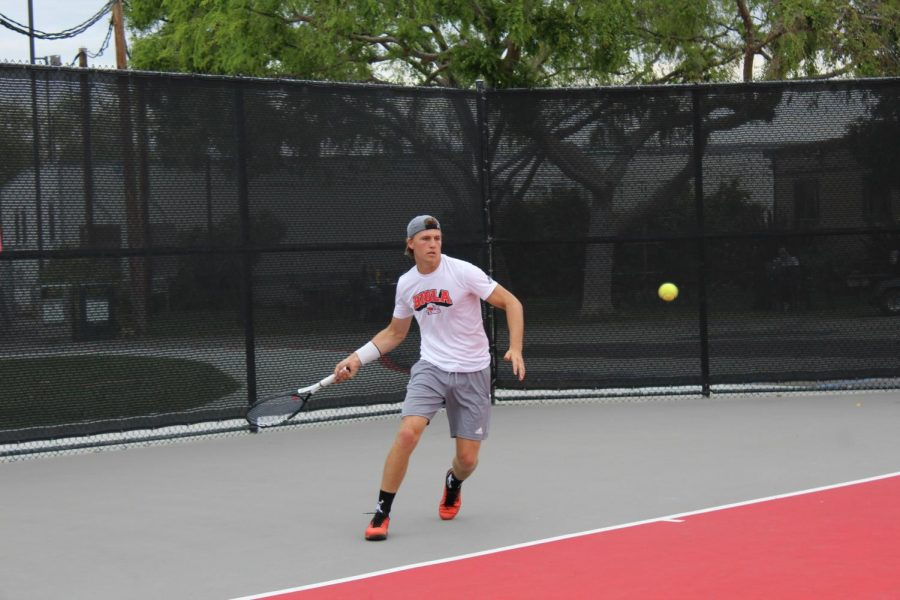 Tennis secures clutch victories over Firebirds
