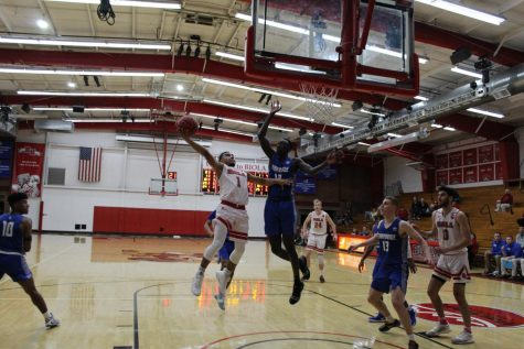 Men's basketball bounces back against Hawaii Pacific