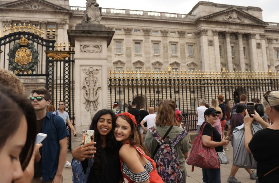 Senior political science major Jasmine Teeny (left) and senior English major Natasha Zartman (right) on the Torrey Cambridge trip in summer 2018, then a sophomore and a freshman, respectively.