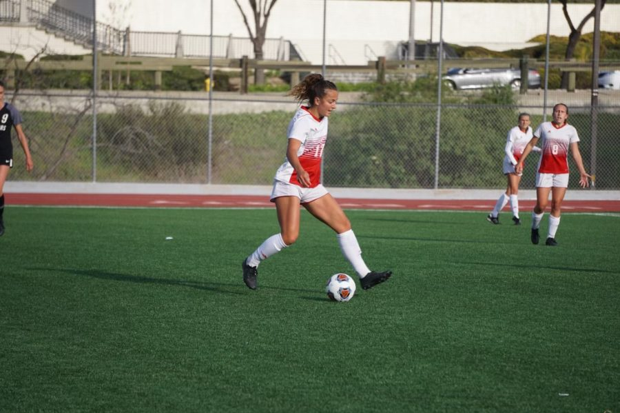 Women's soccer suffers first loss of the season