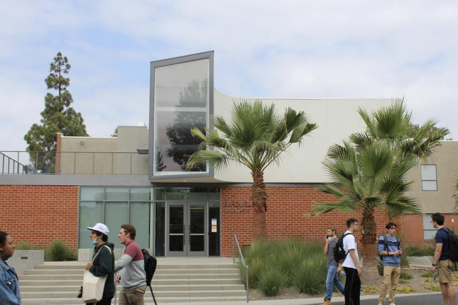 Get+an+inside+look+on+Bardwell+Hall%2C+now+welcoming+students+and+faculty