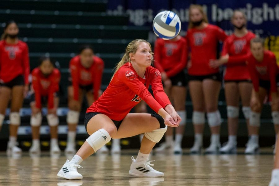 Volleyball splits another tournament